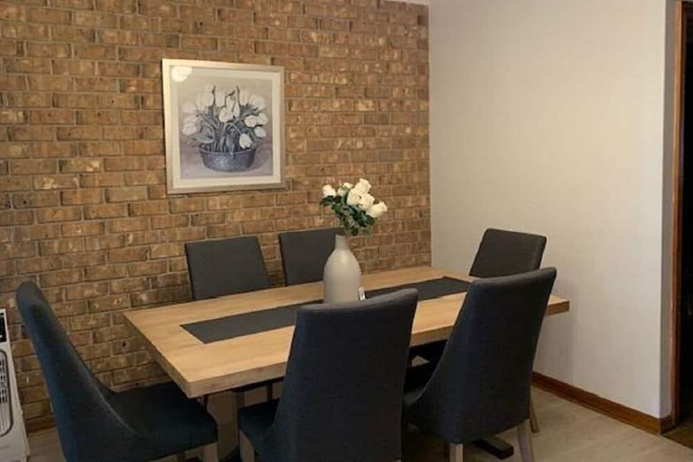 טאון-האוס, 2 חדרי שינה - אזור אוכל בחדר