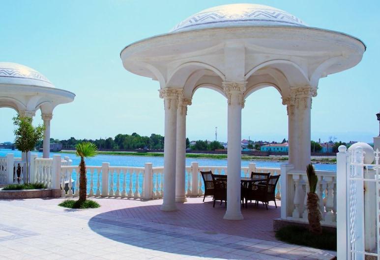 팔리아멘트 팰리스 호텔, 후잔드, 외부