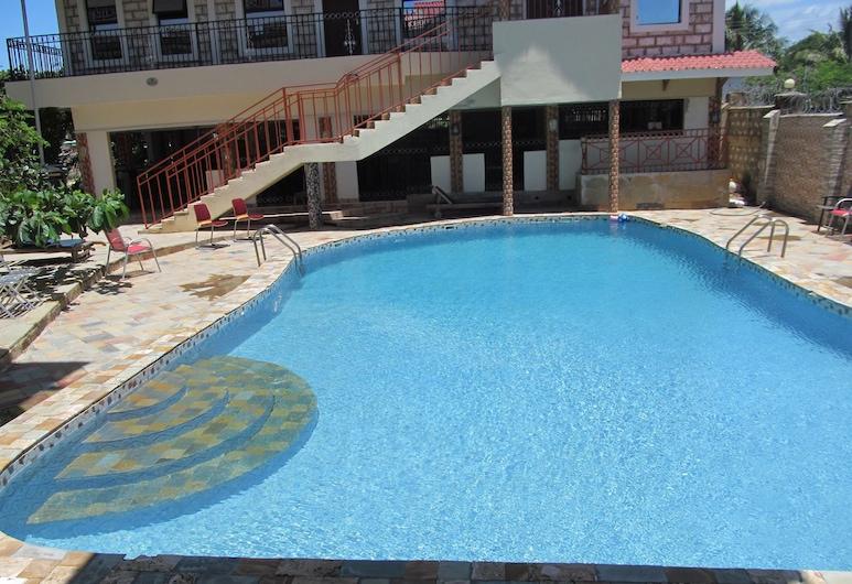 Diplomat Diani Beach Resort, Diani Beach, Property Grounds
