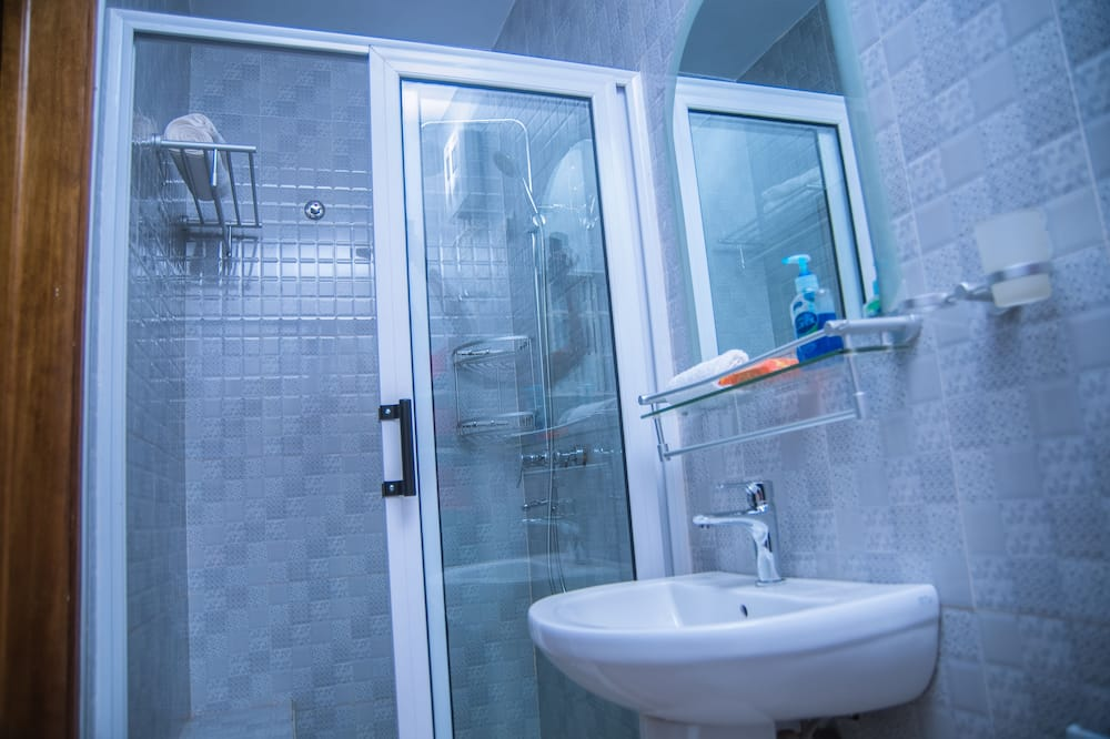 Сімейний номер, 2 двоспальних ліжка, для некурців - Ванна кімната