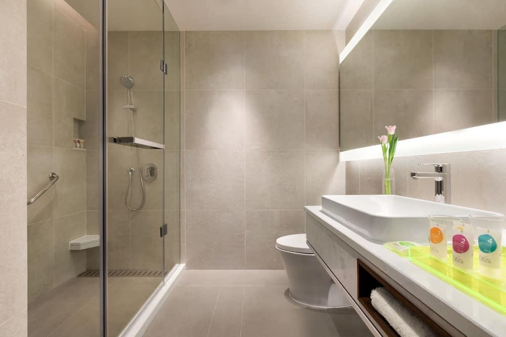 Room (2 Twinbed & 1 Sofabed) - Bathroom