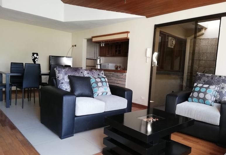 Casa Moderna de Lujo, Cochabamba, Deluxe maja, Voodeid on mitu, erivajadustele kohandatud, suitsetamine keelatud, Lõõgastumisala