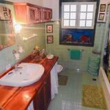 Třílůžkový pokoj, více lůžek, nekuřácký - Koupelna