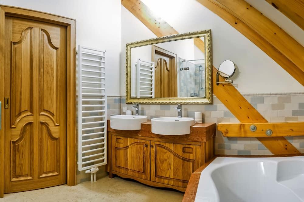 Izba typu Deluxe, 1 spálňa, bezbariérová izba, nefajčiarska izba - Zariadenie kúpeľne