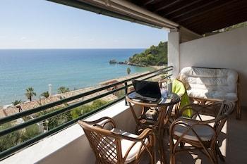 תמונה של Glyfada Corfu Houses בקורפו