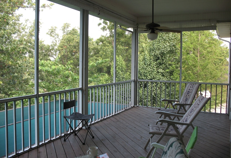 Gorgeous Waterfront Property, Tons of Room, Sleeps 12 3200 Sqft, Checotah, Balkons