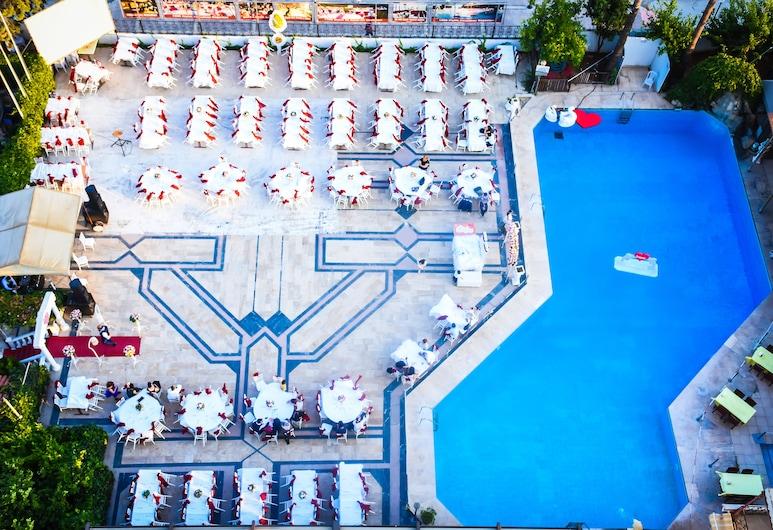 Gondol Hotel, เมอร์ซิน, สระว่ายน้ำกลางแจ้ง