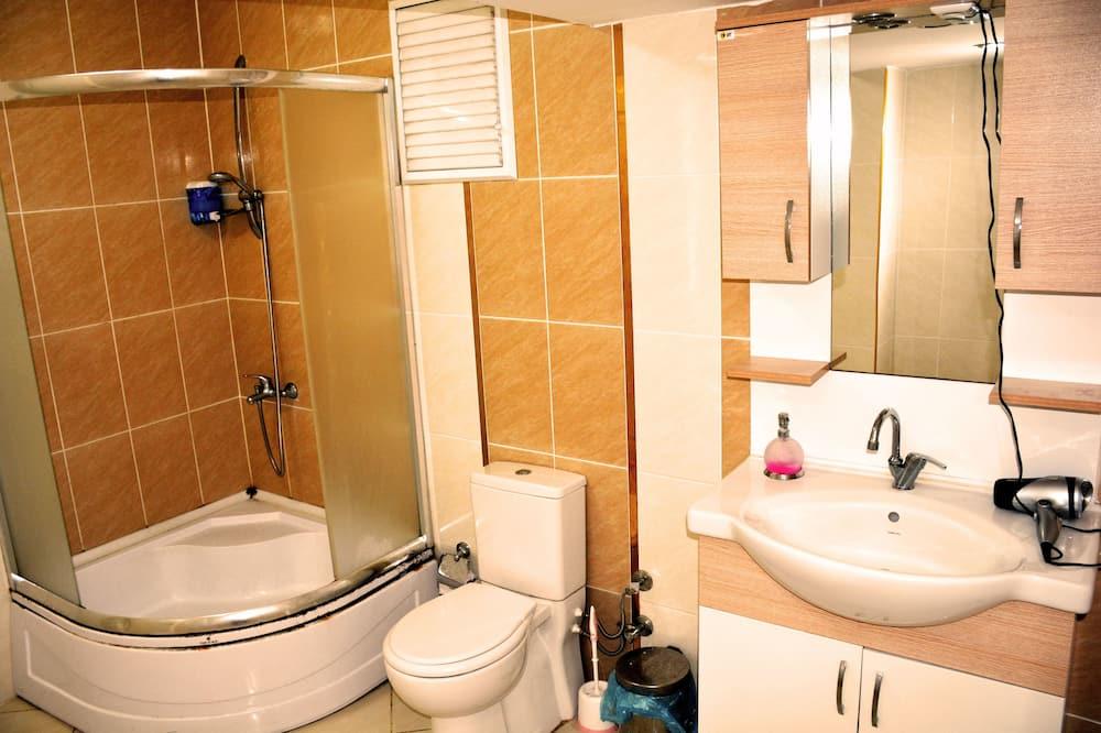 Двухместный номер «Эконом» с 1 двуспальной кроватью - Ванная комната
