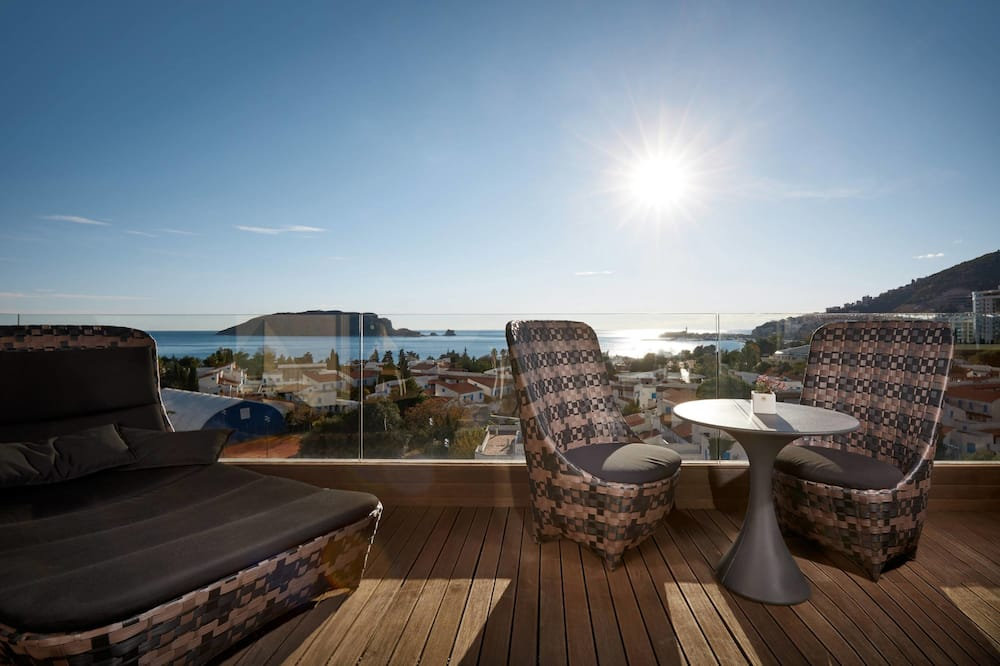Basic Apartment, 3 Bedrooms, Sea View - Balcony