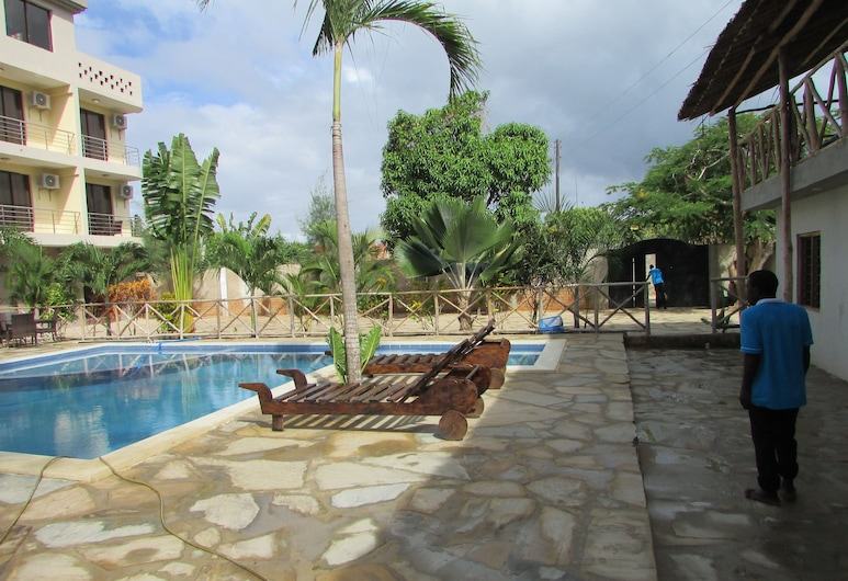 Retro Boutique Hotel Limited, Diani Beach, Outdoor Pool