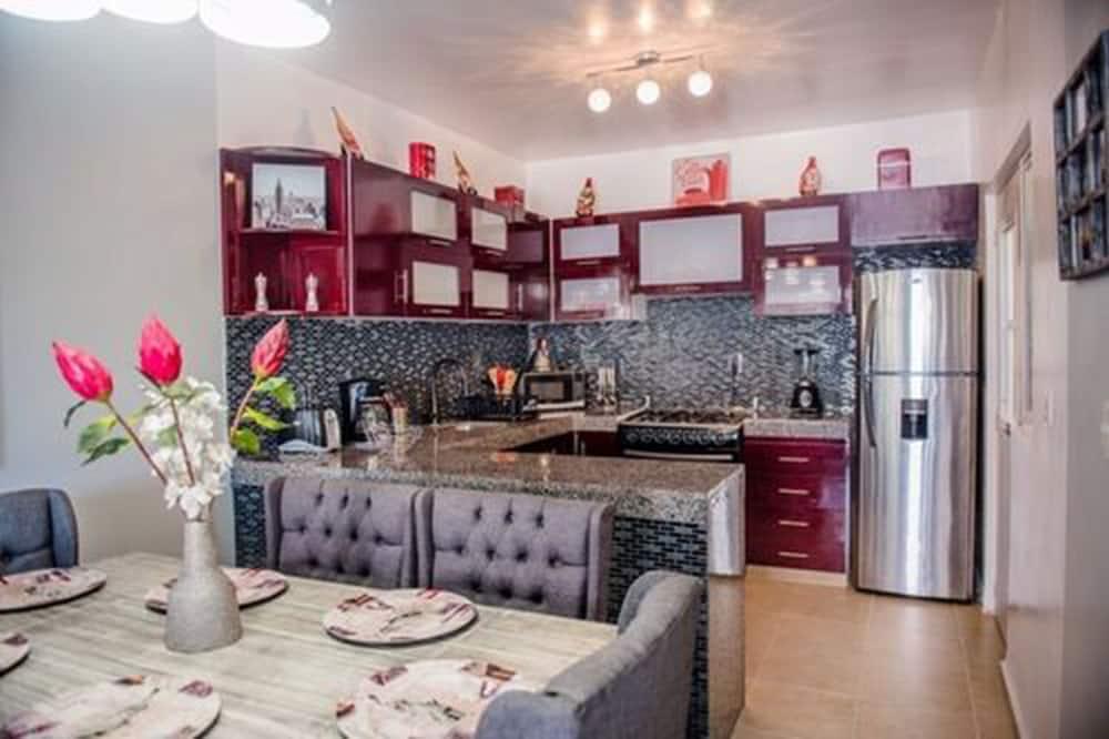 家庭独立别墅, 2 间卧室 (3 Baths) - 客房送餐