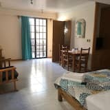 Basic Double Room, 1 Queen Bed, Balcony, City View - Guest Room