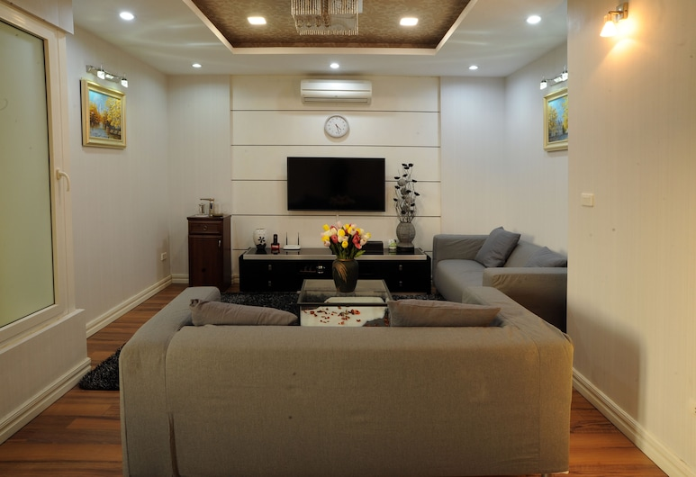 Hera Building, Hanoi, Superior Apartment, 1 Bedroom, Living Room