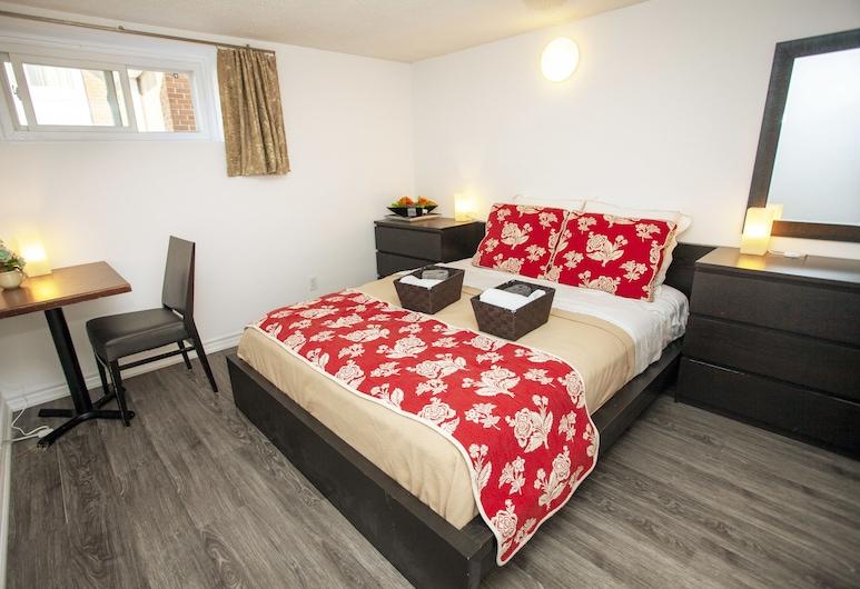 Cozy 3 bedroom, 2 bathroom Basement Suite in Toronto, Toronto