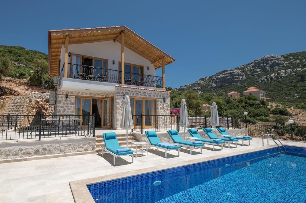 Villa Gedimc by Akdenizvillam
