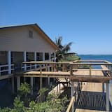 WATERFRONT The Spotted Eagle Ray is a newly renovated, 2 bedroom, 1 bath apt.