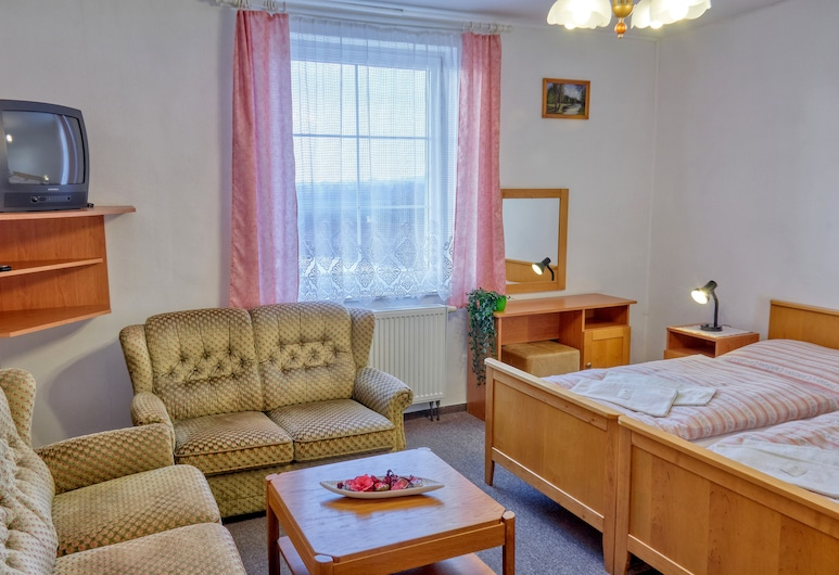 Hotel Alf, Borovany, Classic Quadruple Room, 2 Queen Beds, Non Smoking, Guest Room