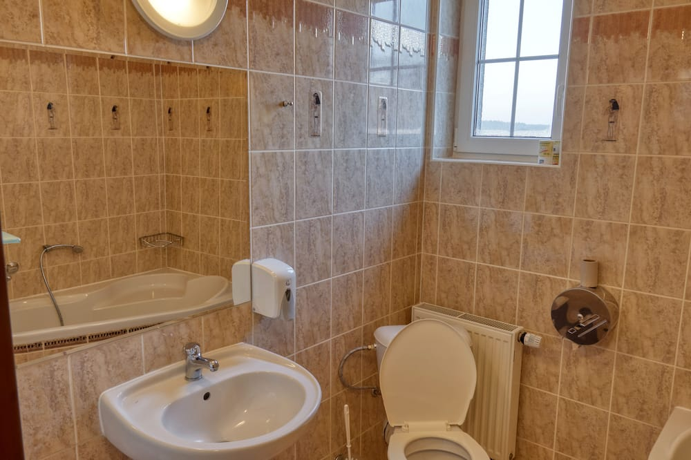 Classic-Vierbettzimmer, 2Queen-Betten, Nichtraucher - Badezimmer