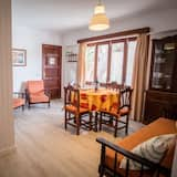 아파트, 침실 2개, 발코니, 바다 정면 - 거실 공간