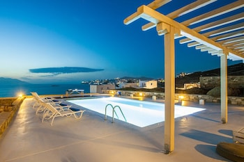 Enter your dates to get the Mykonos hotel deal