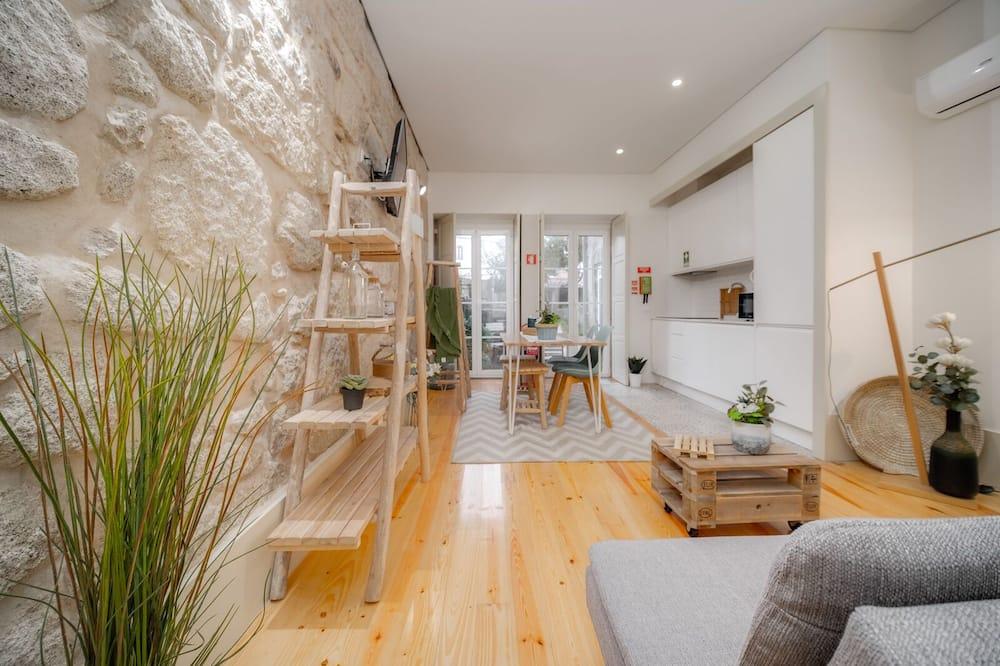 Phòng đôi tiện nghi đơn giản, 1 giường đôi và sofa giường, Quang cảnh vườn - Khu phòng khách