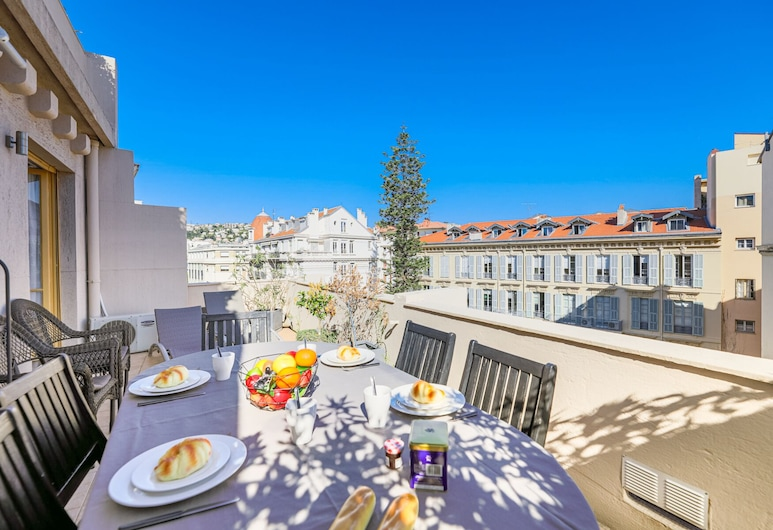 Palais l'Escurial AP4069 by Riviera Holiday Homes, Nice