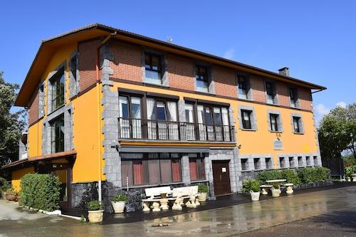卡瑟里奧伊巴爾羅拉塔希奇自助式飯店