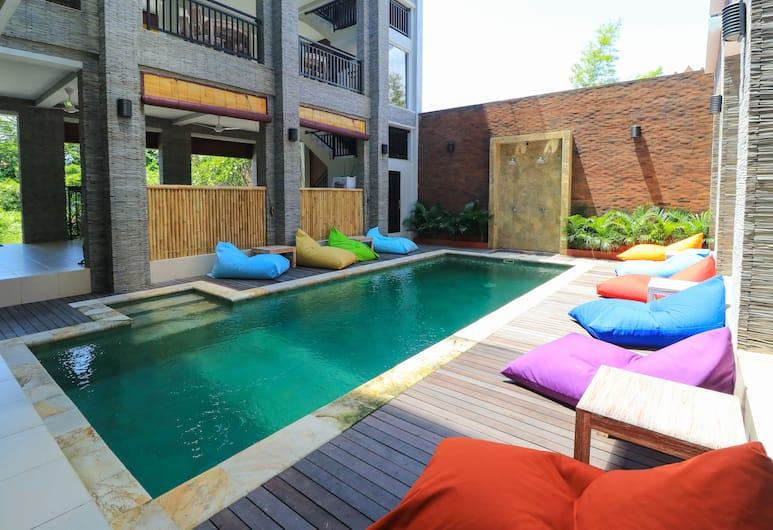 蓋拉提克民宿 - 青年旅舍, 水明漾, 室外泳池