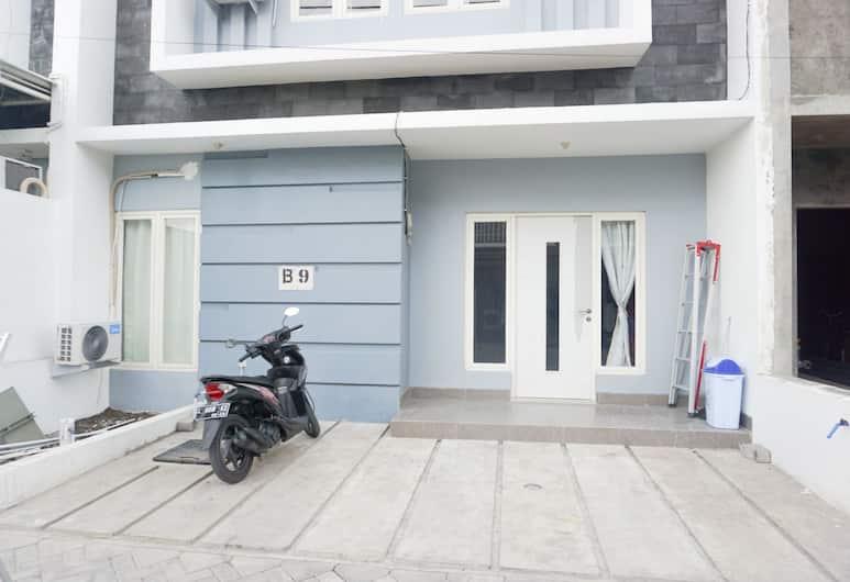 Surabaya Homey near Airport, Sidoarjo, Bagian Depan Hotel