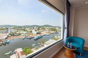 Enter your dates to get the Phu Quoc hotel deal