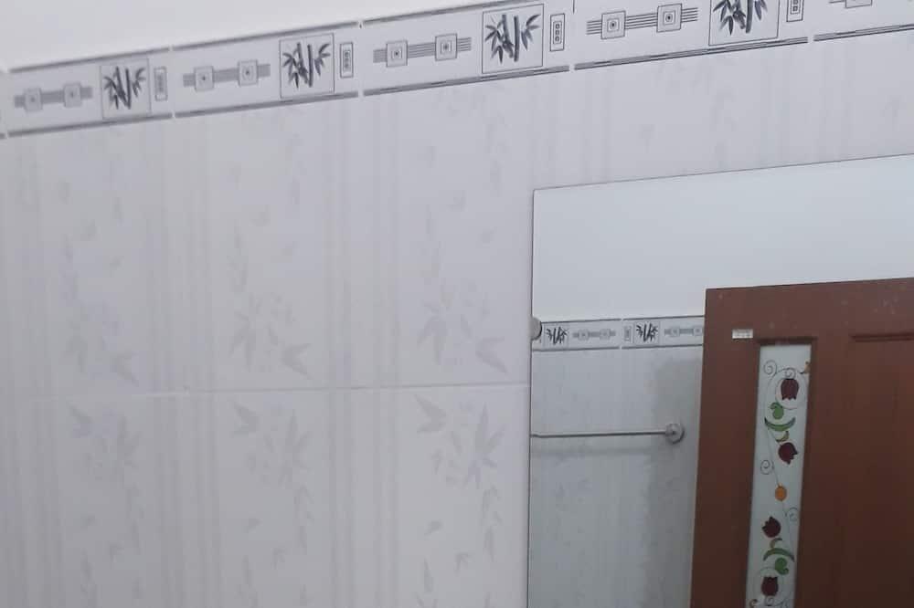 Triple Room, Garden View - Bathroom