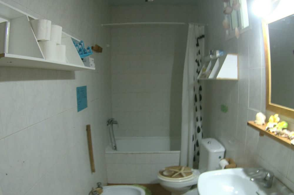 Shared Dormitory, Mixed Dorm (1 Bed in a 5-Bed Dormitory Room) - Bathroom