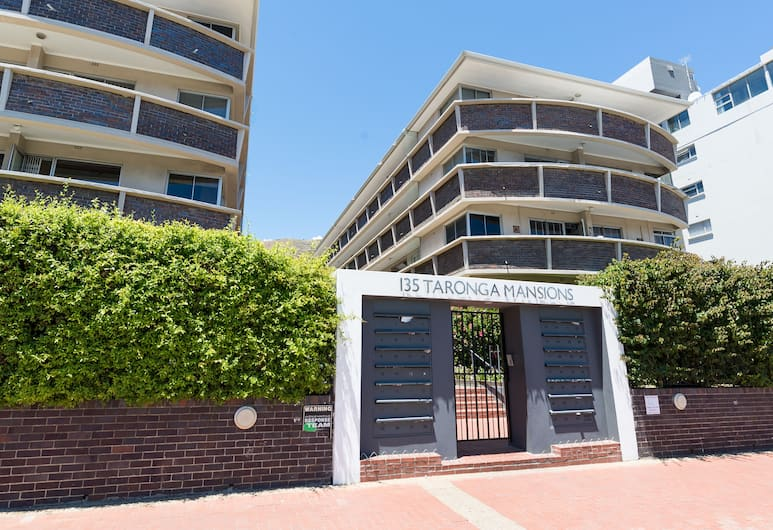 Taronga Mansions 21, Cape Town, Property entrance