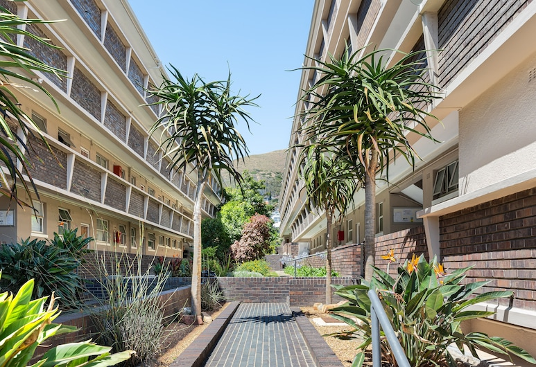 Taronga Mansions 21, Cape Town, Property Grounds