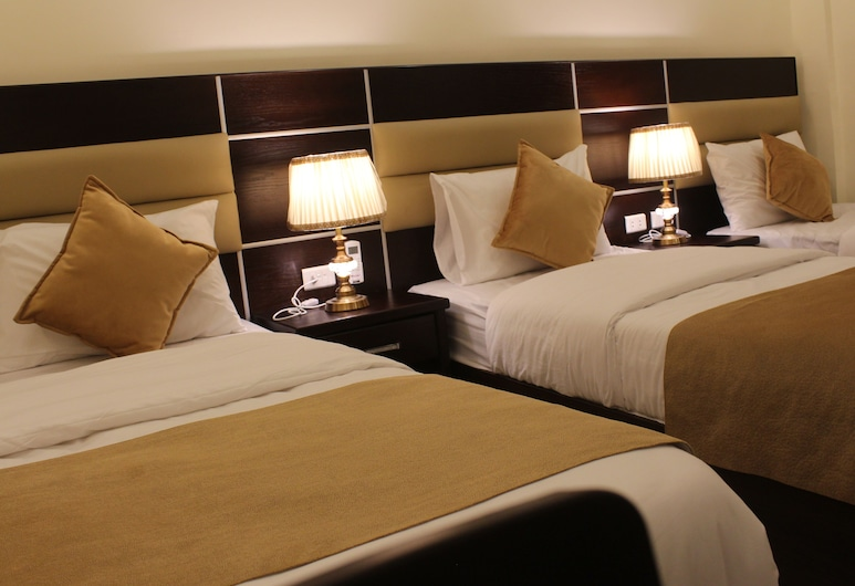 Shaqilath Hotel, Wadi Musa, Dreibettzimmer, Zimmer
