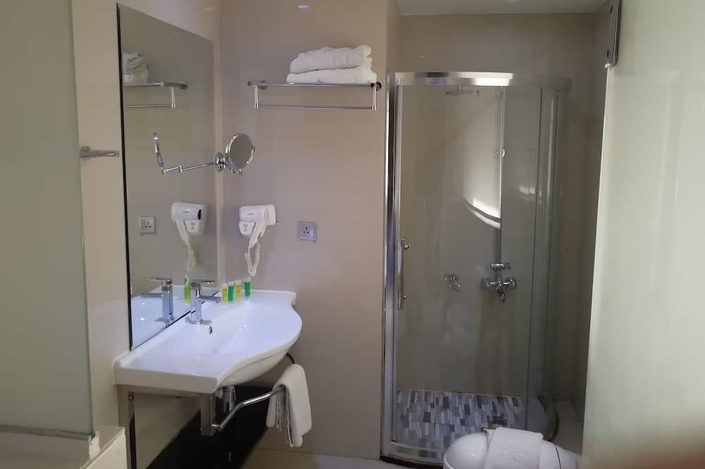 Habitación triple, 3 camas individuales - Ducha en el baño
