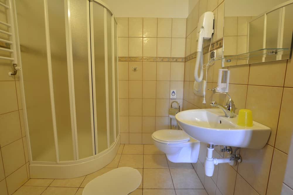 Апартаменты «Делюкс», 1 двуспальная кровать «Квин-сайз» с диваном-кроватью, для некурящих - Ванная комната
