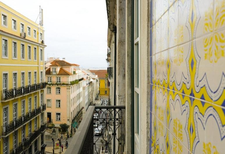 Fascinating apartment in historic Lisbon, Lisbon, Apartment, 2 Bedrooms, Non Smoking, Balcony