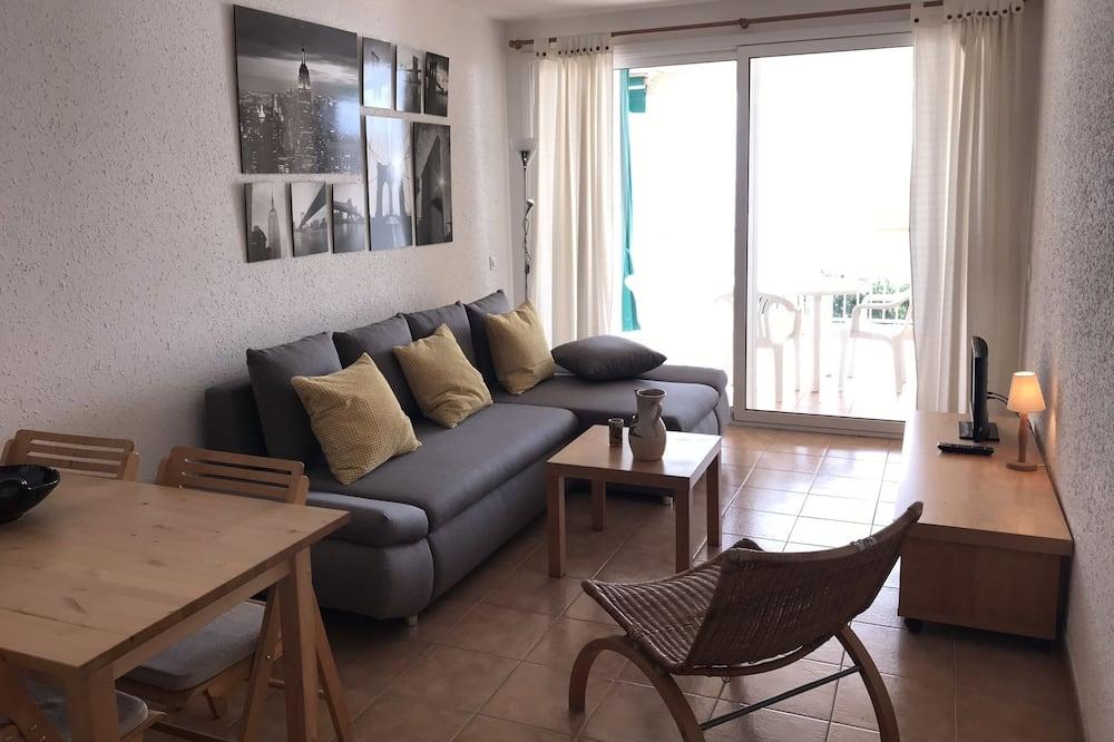 דירה, חדר שינה אחד, מרפסת, נוף לים - תמונה