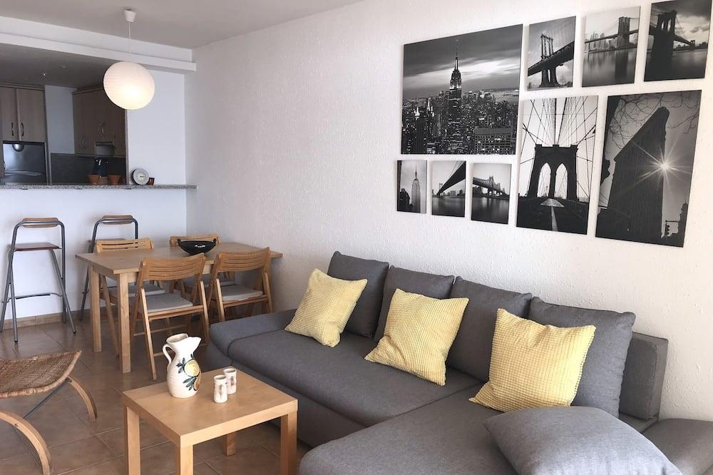 דירה, חדר שינה אחד, מרפסת, נוף לים - אזור מגורים