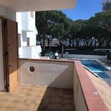 Apartment, 2 Bedrooms, Balcony, Pool View - Balcony
