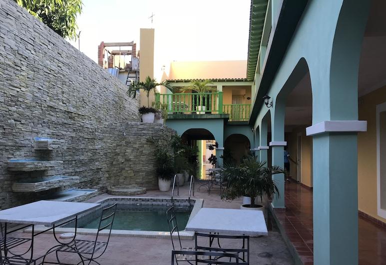 Hotel E La Calesa, Trinidad, Bazén