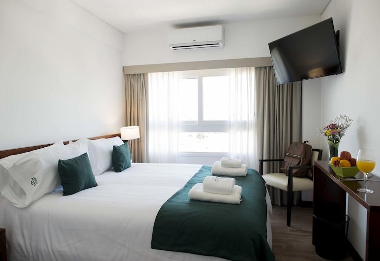 Hotel 6 De Octubre, Buenos Aires, Superior Room, Multiple Beds, Non Smoking, Guest Room