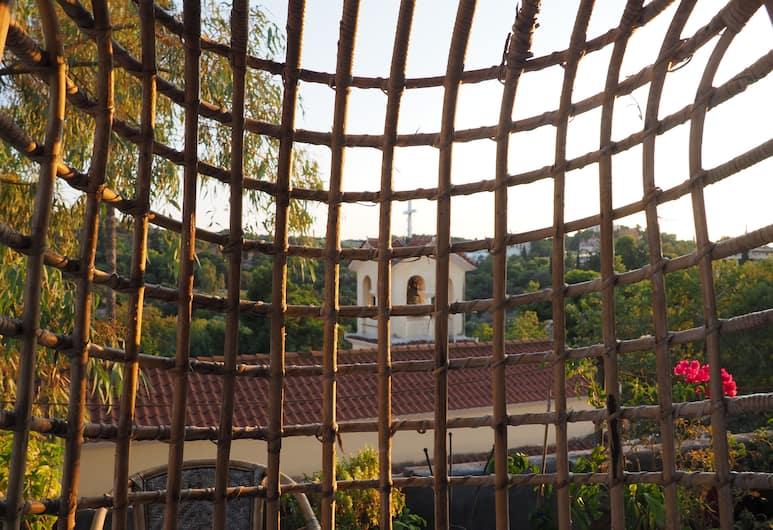 Yhouse, Αθήνα, Design Στούντιο, 1 Queen Κρεβάτι, Θέα στο Λόφο, Αίθριο/βεράντα
