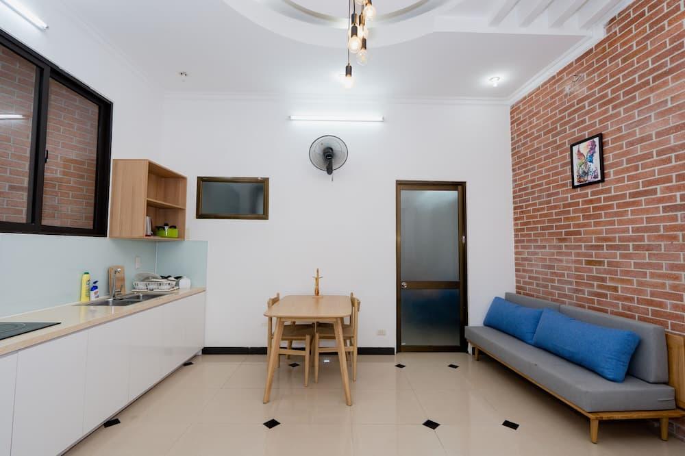 Shjmily House (Destiny) - Living Area
