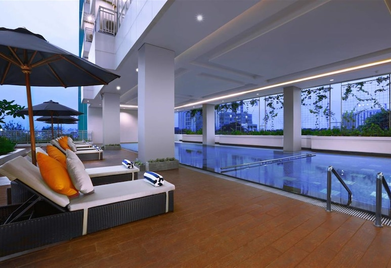 Best Price Studio Apartment The H Residence near MT Haryono, Jakarta, Outdoor Pool