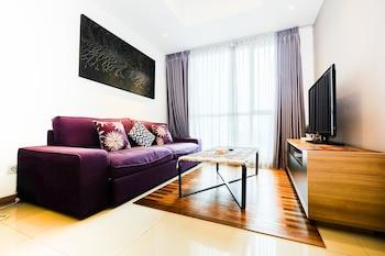 Hình ảnh 1BR Apartment with Big Sofa Bed at Casa Grande Residence tại Jakarta