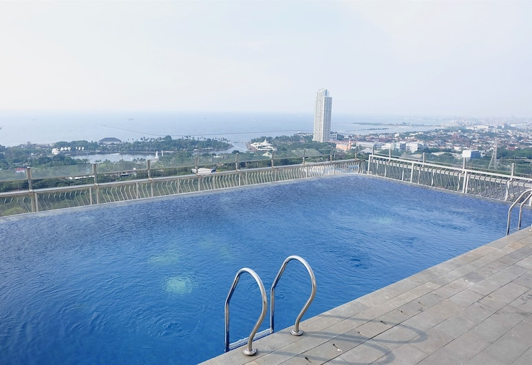 Deluxe And Comfortable 2BR Northland Ancol Residence Apartement, Jakarta, Rooftop Pool