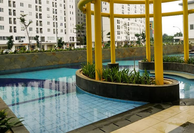 Comfy 2BR Bassura City Apartment Near Mall, Jakarta, Outdoor Pool