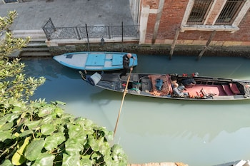 A(z) San Marco Style Canal View hotel fényképe itt: Velence